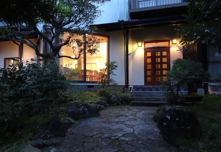 伊津奈日式旅館, 熱海, 花園
