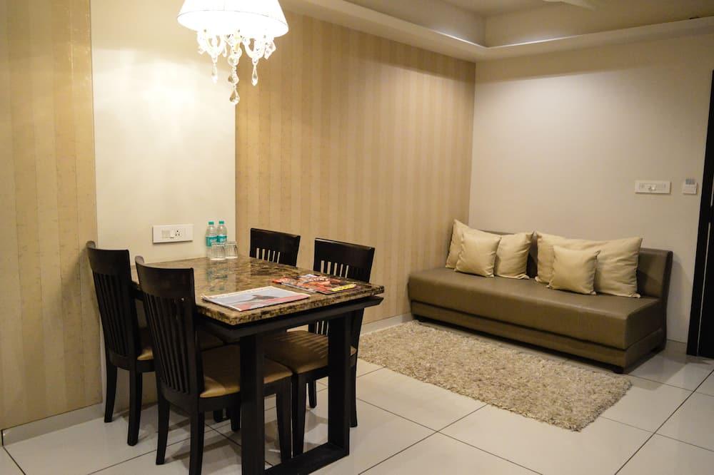 Studio Suite  With Kitchen - Comida en la habitación