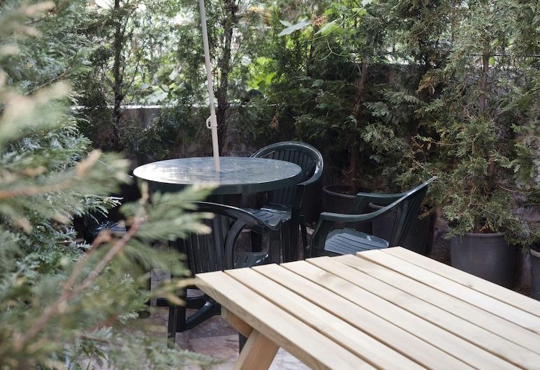 ヴェニ ビディ ドルミ - ホステル, イスタンブール, 庭園