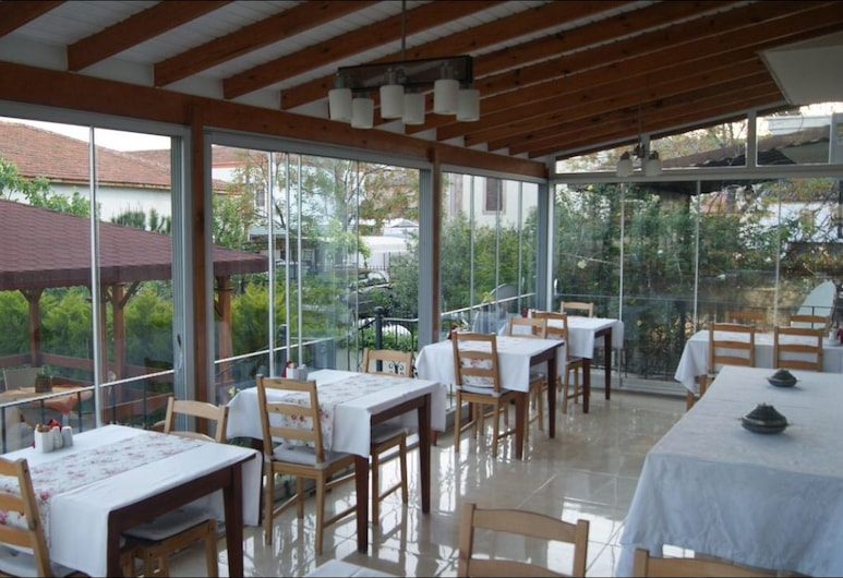 Ender Hotel, Ayvalik, Restaurang utomhus