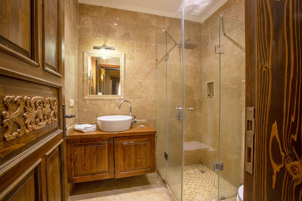 Classic Double Room, 1 King Bed - Bathroom