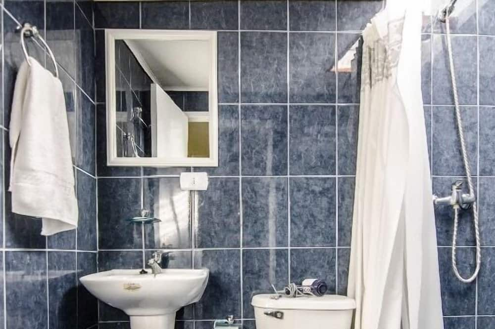 Standard Double Room, 1 Bedroom, Private Bathroom - Bathroom