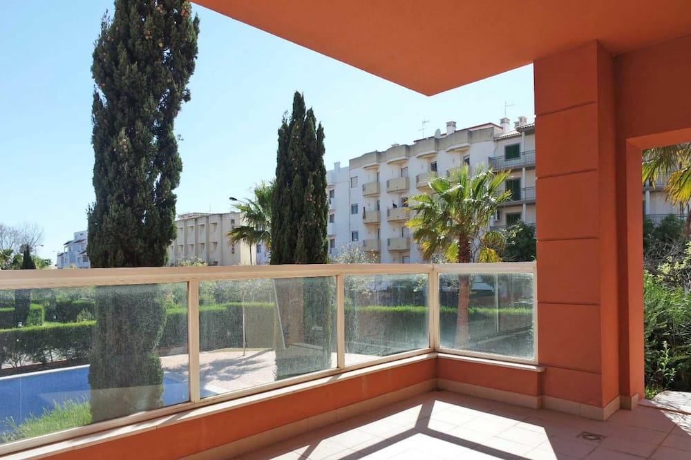 דירה, 2 חדרי שינה, קומת קרקע (V. da Horta,R.3 Castelos,Lt.6,Apt 6,F) - מרפסת/פטיו