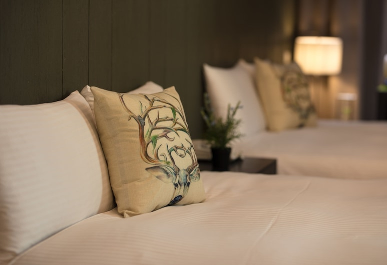 Finders Hotel, Taipėjus, Liukso klasės keturvietis kambarys, 2 standartinės dvigulės lovos, vonia, Svečių kambarys