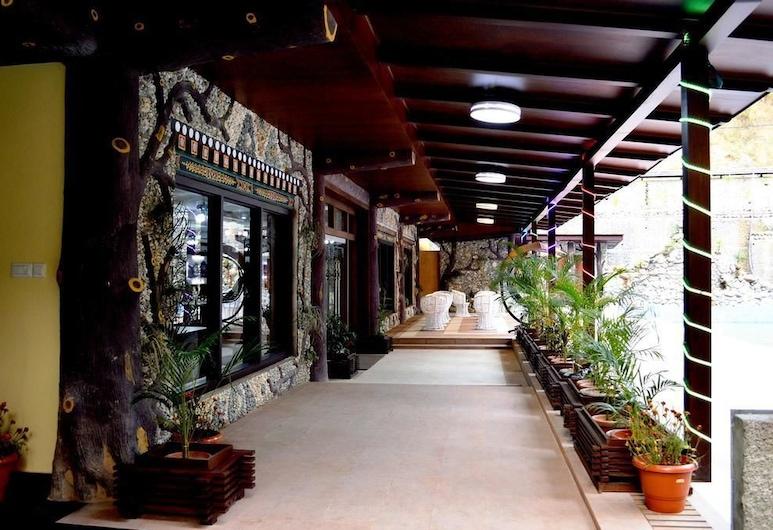 Tashi Namgay Grand, Phuntsholing, Porche