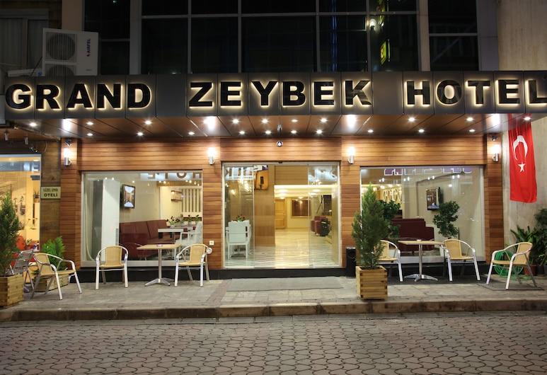 Grand Zeybek Hotel, Izmir, Fachada del hotel