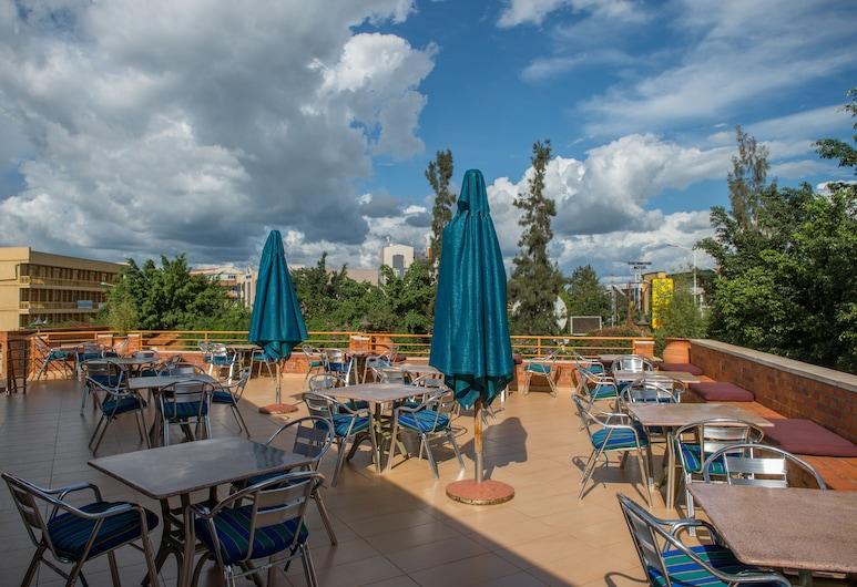 Hotel Chez Lando, Kigali, Restauration en terrasse