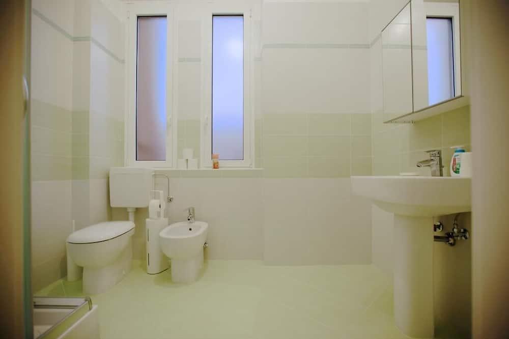 Departamento superior, 2 habitaciones - Baño