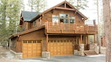 Choose This Luxury Hotel in Mammoth Lakes