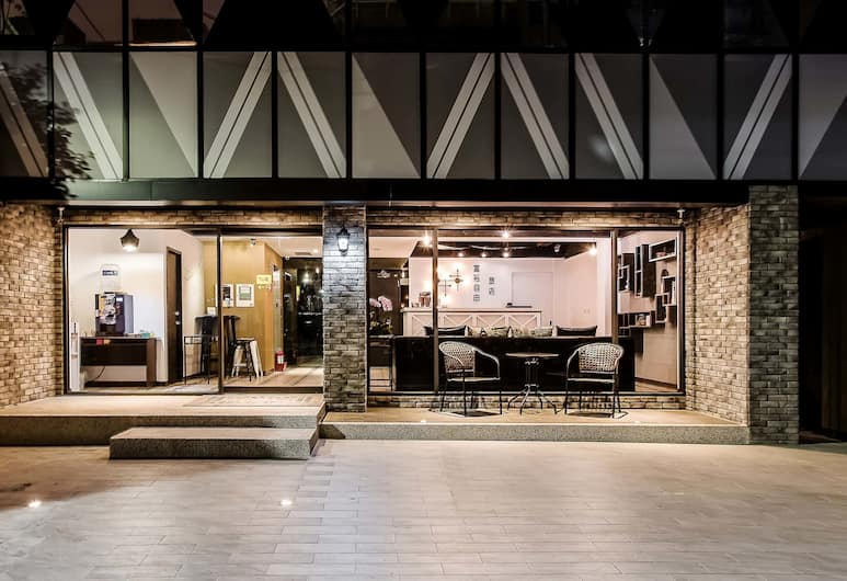 富裕自由旅店林森館, 台北市