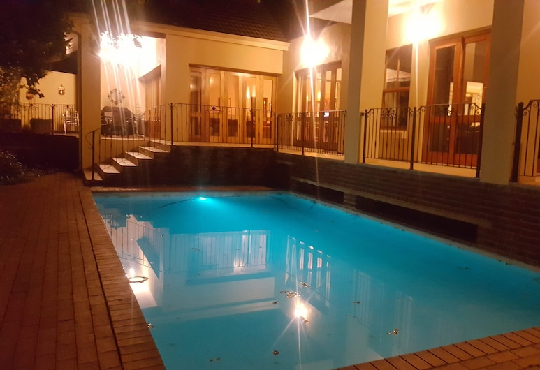 Executive Suite Woodmead East - Adults Only, Sandton, Bazén