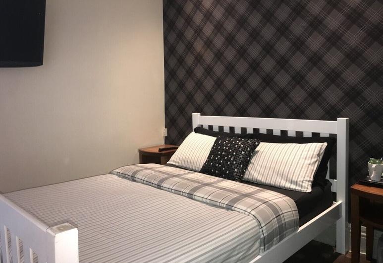 Springtown Lodge, Blackpool, Standard Triple Room, Ensuite, Guest Room