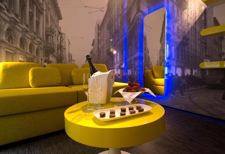 The Street Milano Duomo | a Design Boutique Hotel, Milaan, Design suite, 2 slaapkamers, Woonkamer