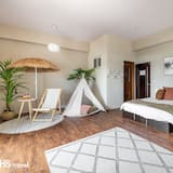 Family Suite-with balcony - Guest Room