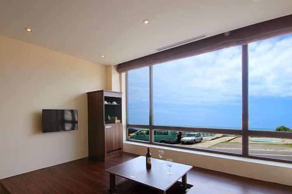 Сімейний мансардний номер, 1 спальня, з частковим видом на океан - Житлова площа