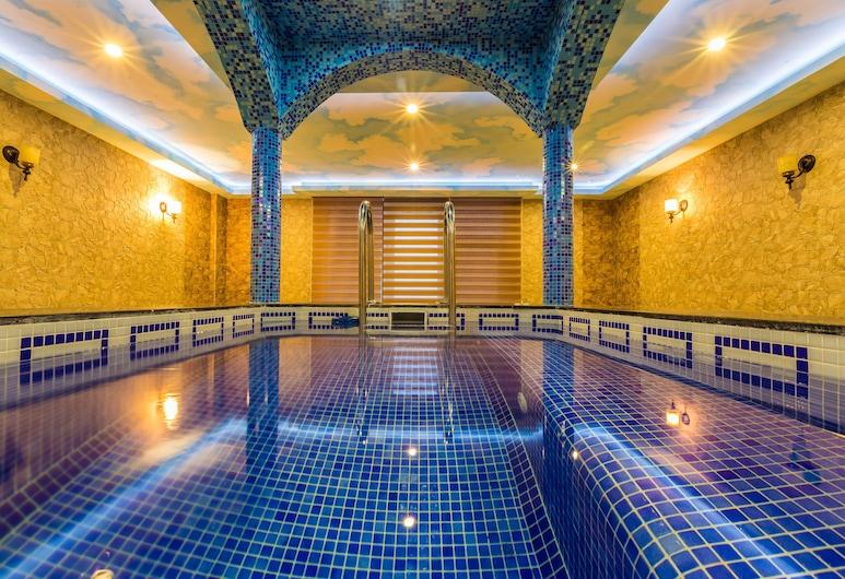 Renaissance Palace Baku, Baku, Spabad binnen