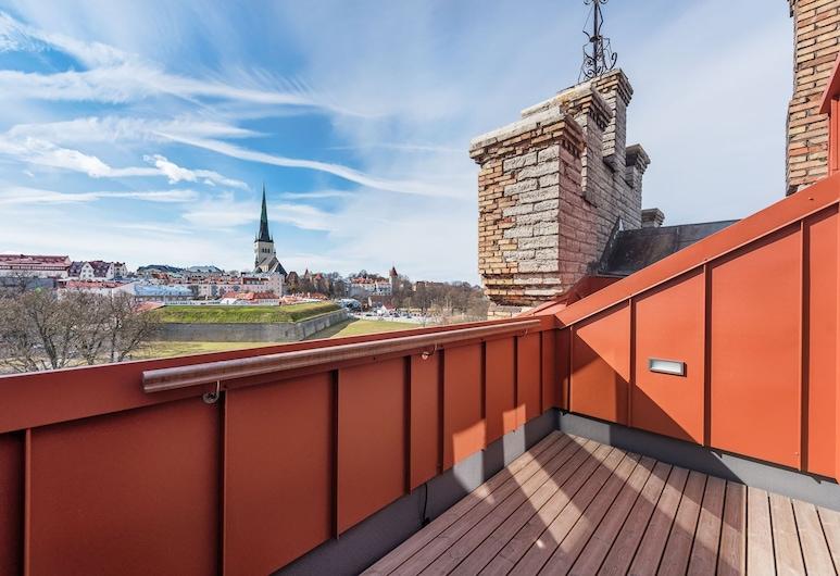 Lighthouse Apartments Tallinn, Tallinn, Deluxe studio, 1 tweepersoonsbed met slaapbank, Balkon, Uitzicht op de stad, Balkon