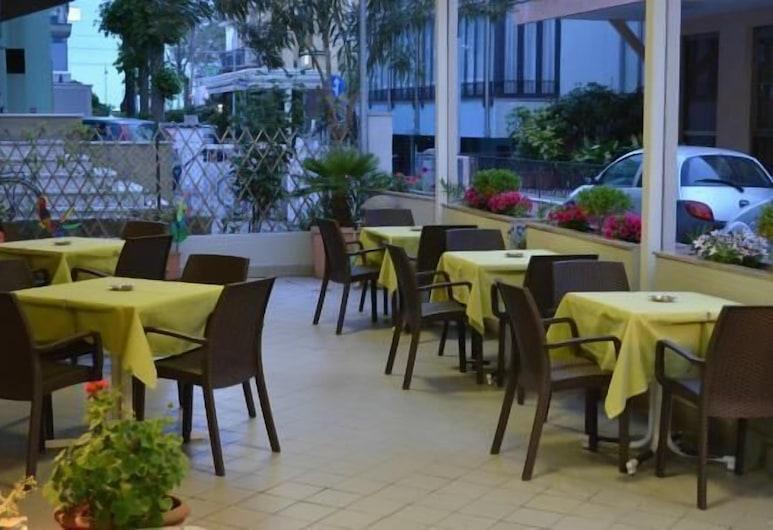 Hotel Laura, Rimini, Terrace/Patio