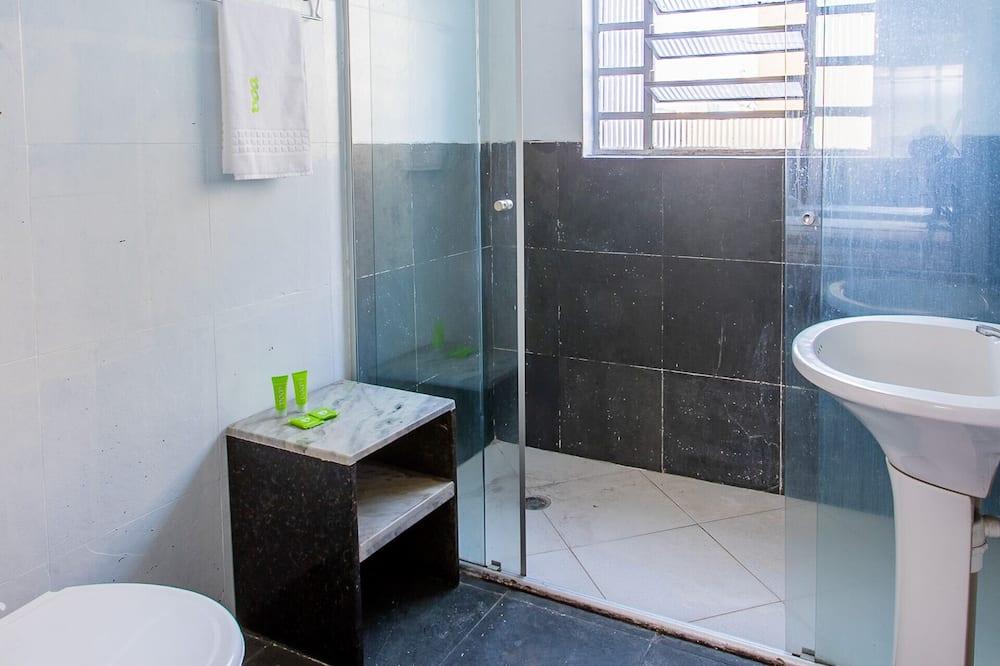 Quarto Quíntuplo Standard Várias Camas - Μπάνιο