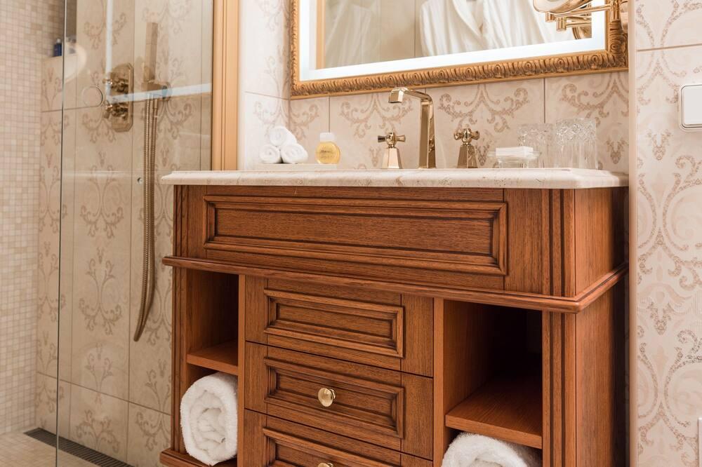 Phòng Suite Junior, 1 giường cỡ king - Phòng tắm