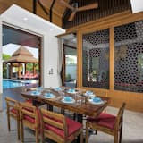 Luxury Villa, 4 Bedrooms, Accessible, Pool View - In-Room Dining
