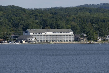 Picture of Dunes Waterfront Resort in Mears
