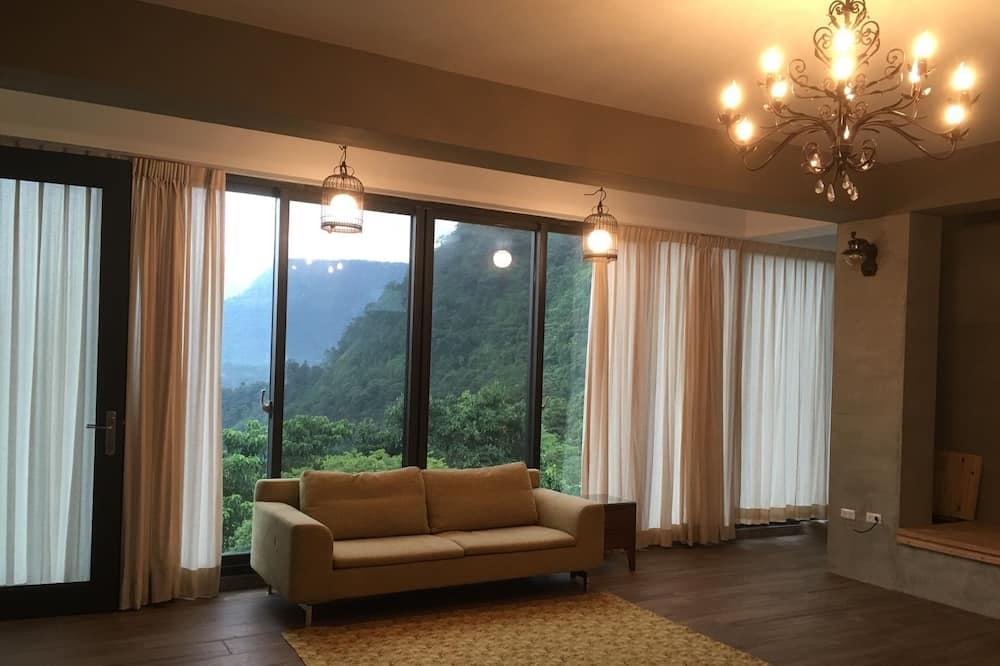 Paaugstināta komforta divvietīgs numurs, skats uz ieleju, kalna puse - Viesu numurs