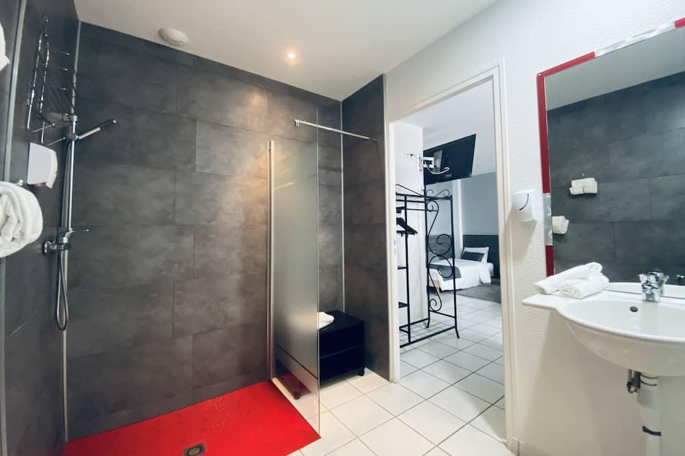 Triple Room, Accessible, Park View - Bathroom