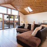 Exclusive Cabin, 3 Bedrooms, Lake View - Living Area