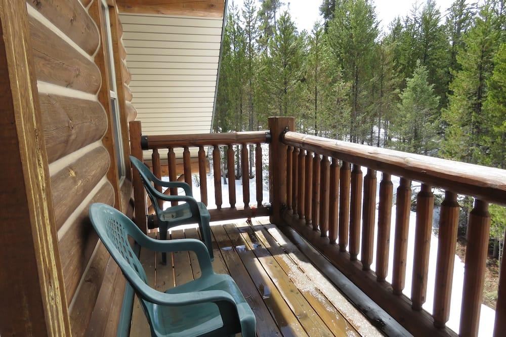 Superior Triple Room, Multiple Beds, Private Bathroom (Bear, Balcony) - Balcony