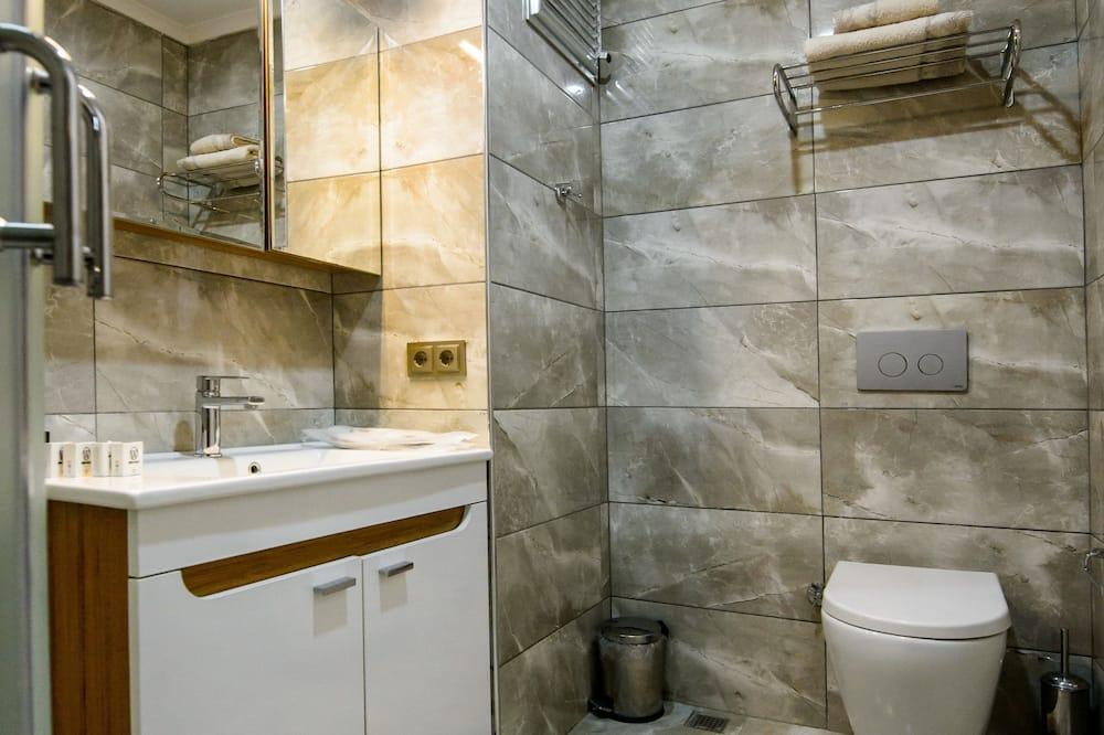 Standard Üç Kişilik Oda, Deniz Manzaralı - Banyo