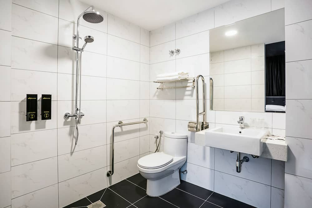 Dvojlôžková izba typu Deluxe (With Window) - Kúpeľňa