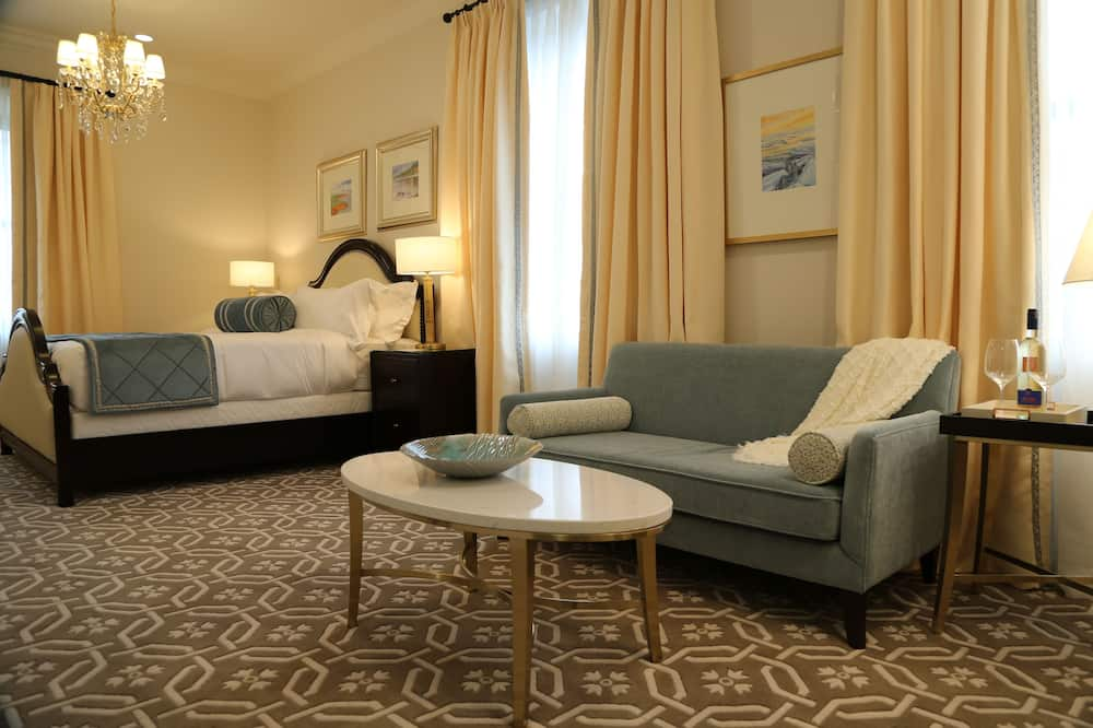Executive Suite, 1 King Bed - Guest Room