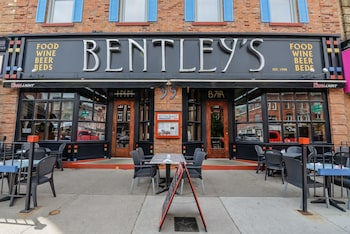 Picture of Bentley's Inn in Stratford