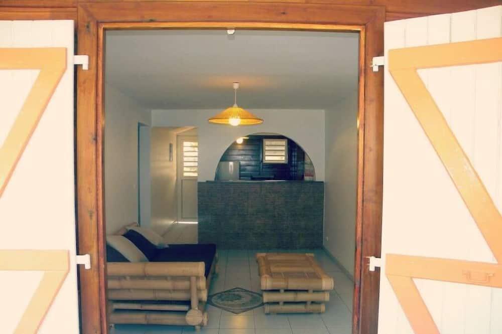 Apartment, 1 Bedroom, Beach View - Living Area