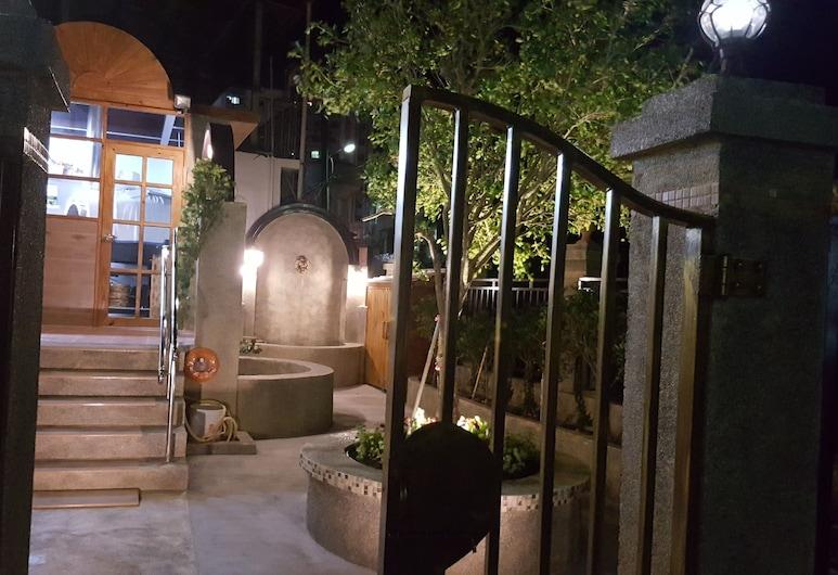 拉芙樂兒旅宿餐酒館, 恆春鎮, 花園