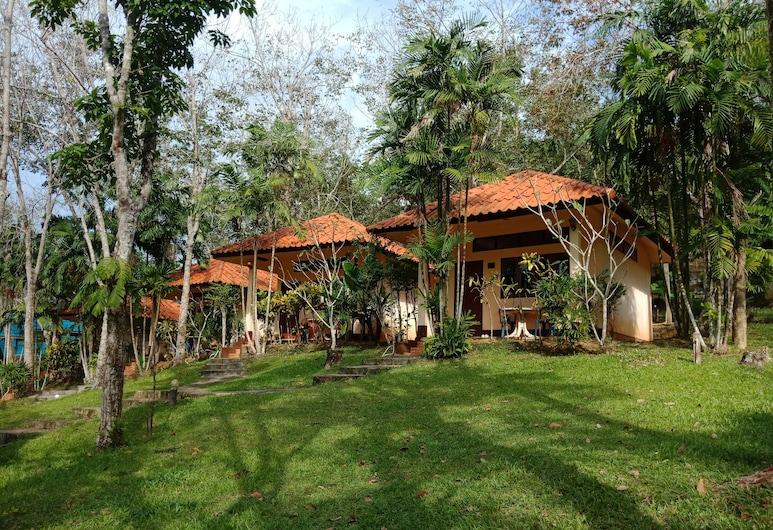 コ ムック ラバーツリー バンガロー, ムック島, 庭園