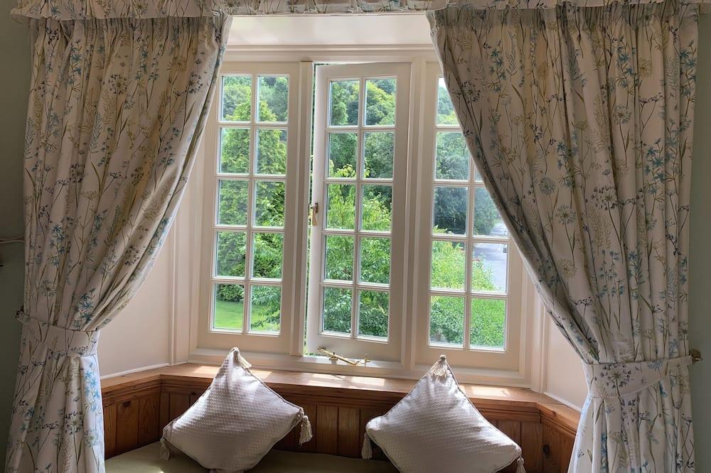 Izba s dvojlôžkom alebo oddelenými lôžkami, výhľad na záhradu (Wisteria) - Výhľad na záhradu