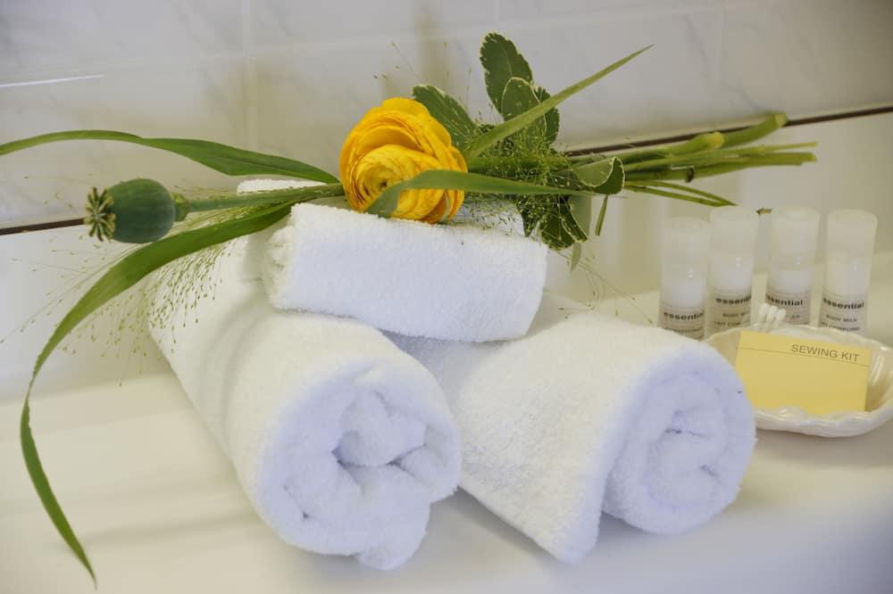 Comfort Single Room - Bathroom Amenities