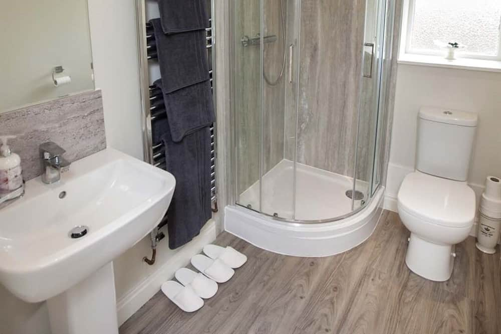 Luxury-Apartment, mit Bad, Gartenblick - Badezimmer