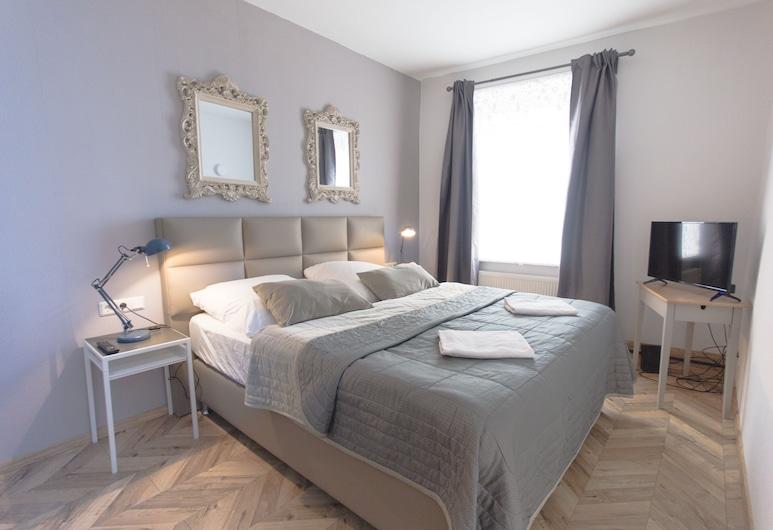 Tm Suites, Dortmund, Deluxe Quadruple Room, 2 Bedrooms, Non Smoking, City View, Guest Room