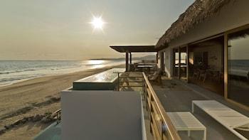 Φωτογραφία του Marea Beachfront Villas, Zihuatanejo