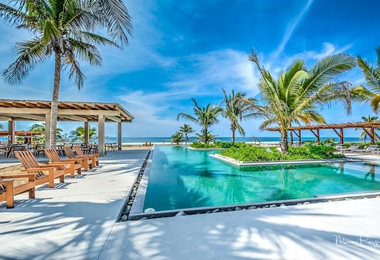 Marea Beachfront Villas, Zihuatanejo, Pool
