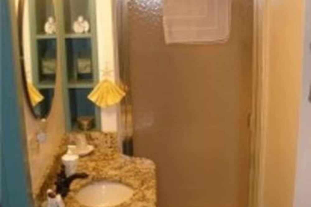 Superior Suite, Ensuite, Garden View (The Lilac & Lace Suite) - Bathroom
