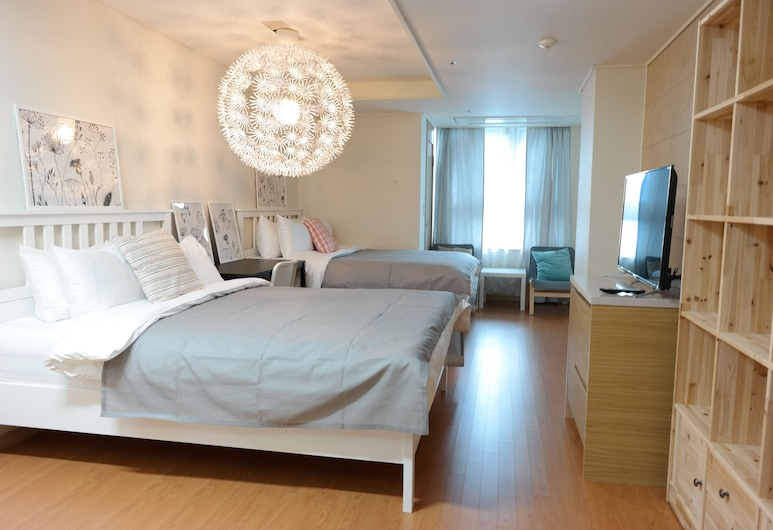 Myeongdong Studio, Seoul, Family Room, Room