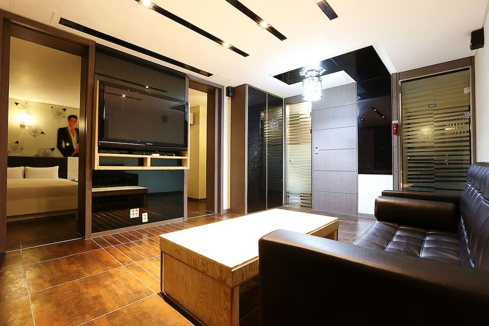 Royal Suite Room - Living Area