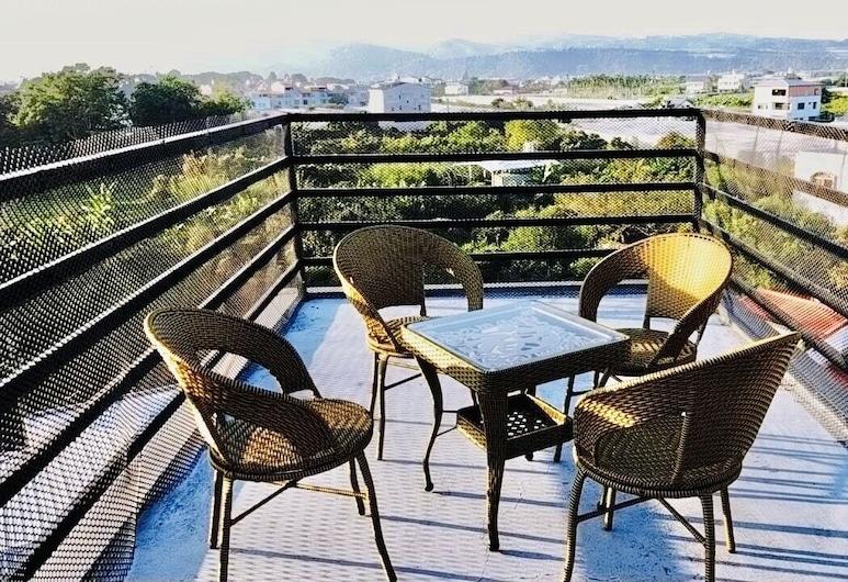 Travel Light Hotel, Puli, Terrasse/Patio
