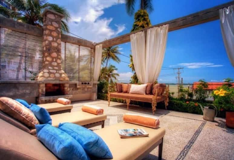 Villas Enrique, Puertovaljarta, Luksusa villa, piecas guļamistabas, skats uz līci, pretī jūrai, Terase/iekšējais pagalms