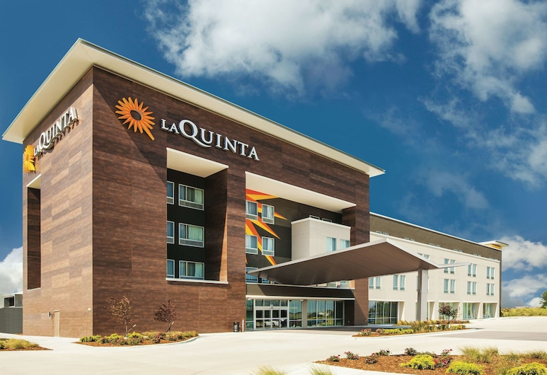 La Quinta Inn & Suites by Wyndham Wichita Northeast, Wichita
