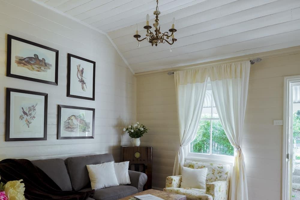 3 Bedroom Cottage - Living Room